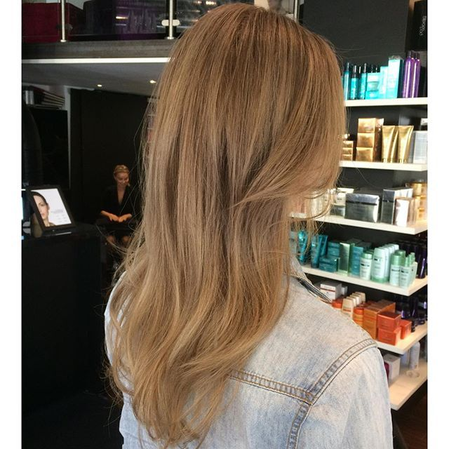 #mulpix Fall is here and so are the colors . From sun bleached hair to this warm Brond color .  #color  #inoa 6.1/ 6.13 / 8.11 3% .  #blondstudio 9% .  #Dialight  #lorealproffessional  #marre  #bangs  #stockholm @fmineur
