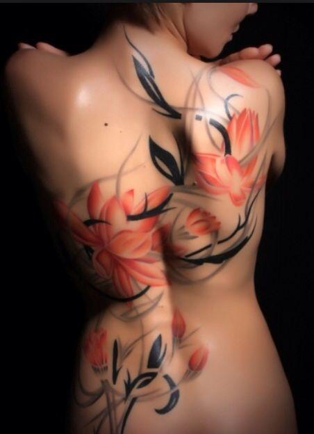 Безумно красивая художественная тату