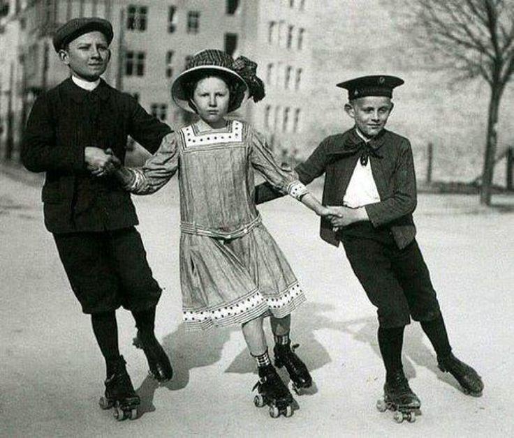 Skating 1910