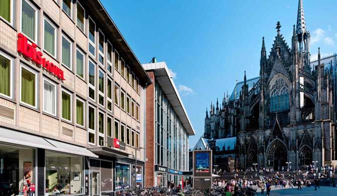 Ibis Hotel Köln am Dom Disembark and feel at home: the Ibis Hotel Köln am Dom is conveniently located at Cologne Central Station, offering direct rail access. Thanks to its ideal location in the heart of the city, you can... #Hotel  #Travel #Backpackers #Accommodation #Budget