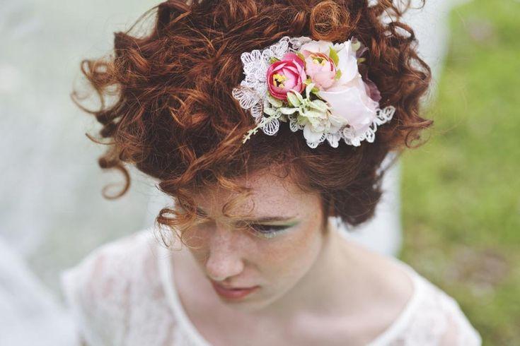 Blumenhaarspange, Hochzeit Haarspange von Magaela auf DaWanda.com