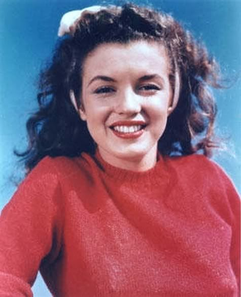 Marilyn Monroe natural brunette...