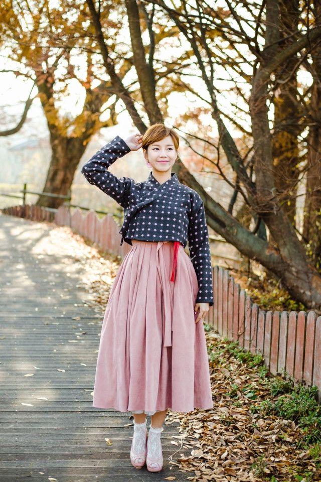 따뜻한 감성의 겨울 어깨허리치마 사랑스러운 기모 생활한복 원피스