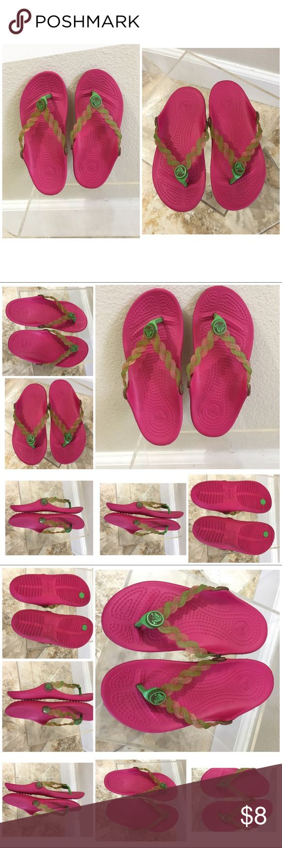 Crocs girls size 10 / 11 flip flops sandals pink Crocs girls shoes size 10 / 11 flip flops sandals pink CROCS Shoes
