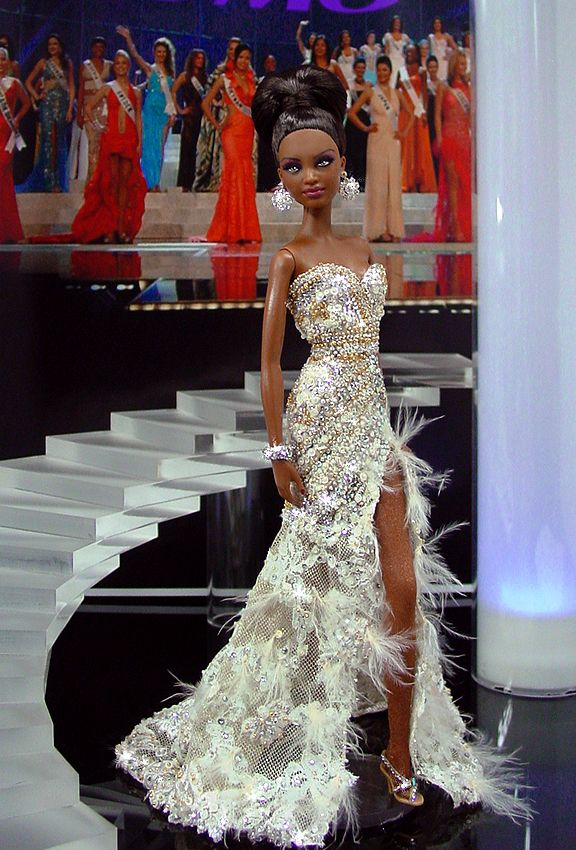 Miss Angola 2011 – Vestido inspirado de Miss Angola en Miss Universo 2011 – Diseñado por el famoso brasileño Alexandre Dutra