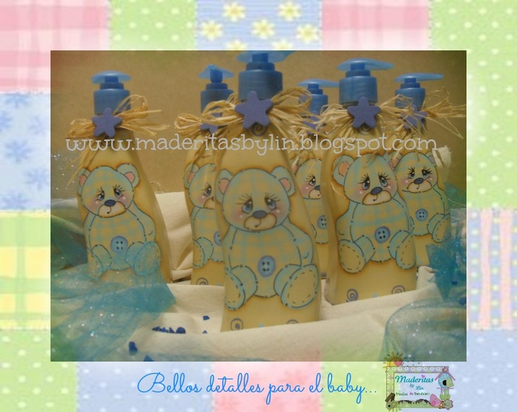 Baby shower. Botellas plasticas decoradas 100% pintadas a mano.