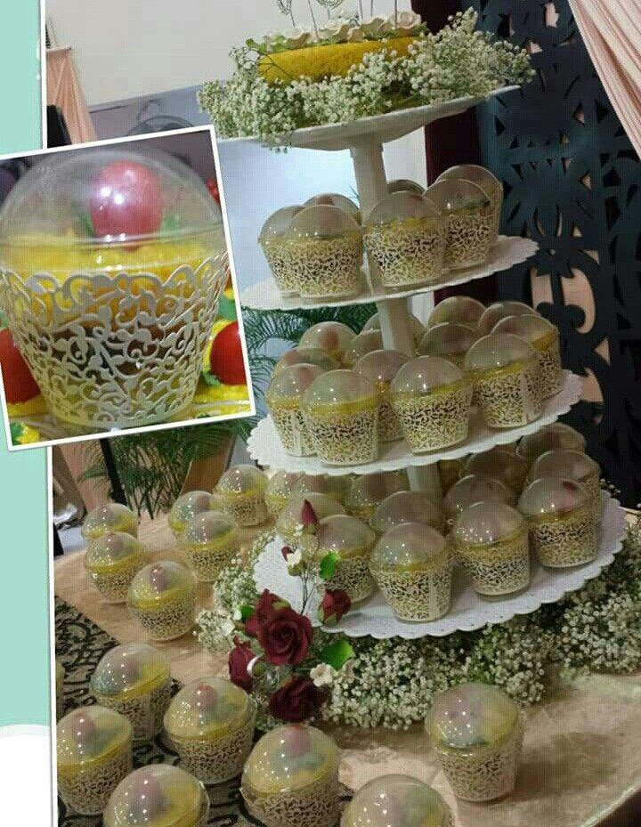 Pulut kuning instead of wedding cake in a malay wedding