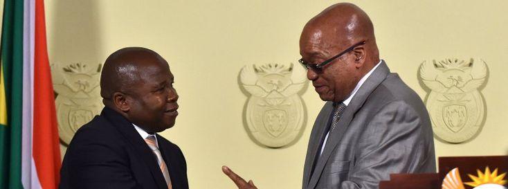 Präsident Zuma (r.) mit Finanzminister Van Rooyen bei dessen Amtsantritt: Aus nach vier Tagen