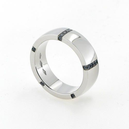 Saarikorpi Design, Stripe 5 with black diamonds