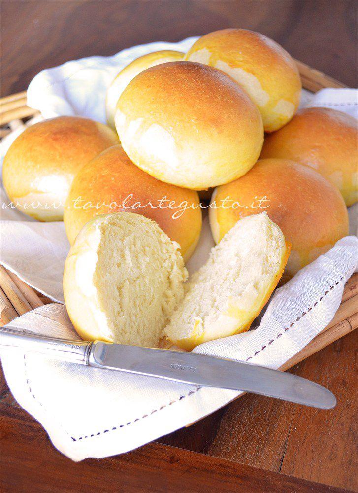 Milk Rolls - Panini al latte: http://www.tavolartegusto.it/2012/09/19/panini-al-latte/