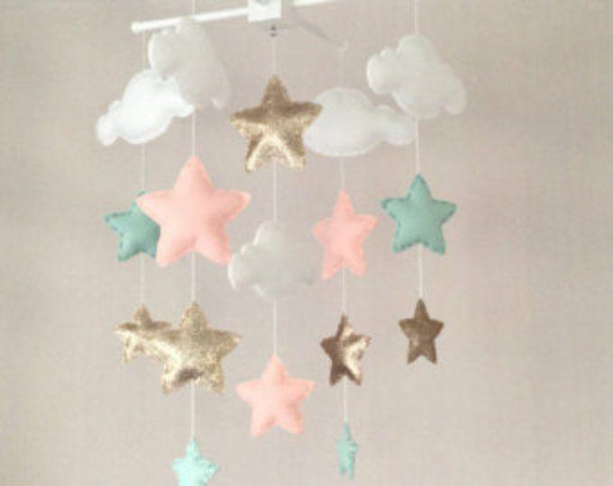 Bebé móvil - móvil de la muchacha del bebé - cuna móvil - Star mobile - Cloud Mobile - vivero Decor - nubes y estrellas - oro, verde menta y coral