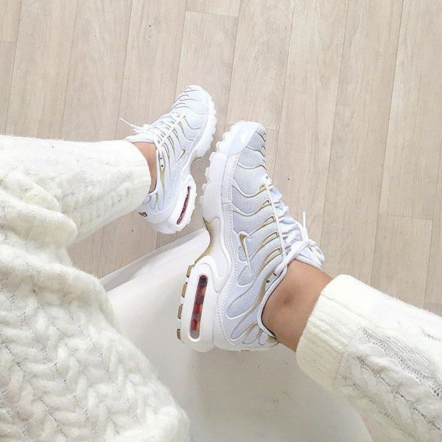 Sneakers femme - Nike Air Max Plus (©nawellleee)                                                                                                                                                                                 More