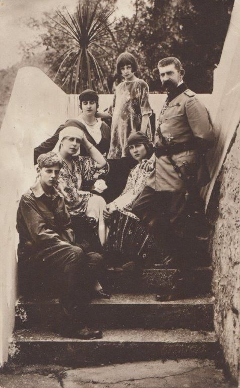 RARE photo of King Ferdinand & Queen Marie of Romania with children - 1921