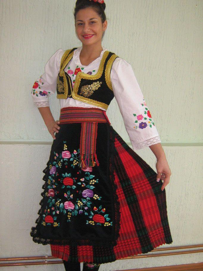 добавит своему сербский народный костюм фото дама данный