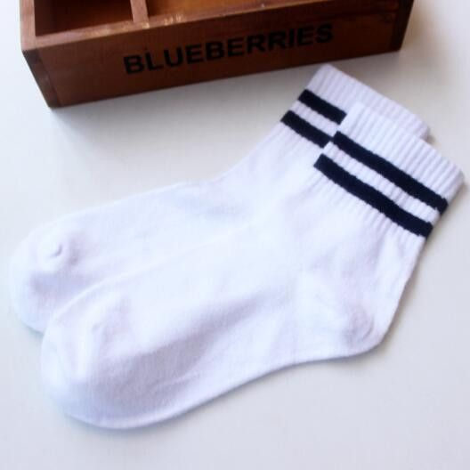 NEW Classic Women Girls Two Stripes Cotton Socks Retro Old School Student Hiphop Skate Fashion white harajuku Korean Wholesale