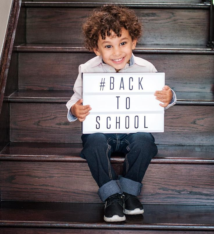 Happy first day of school kiddies!  Another too cute shot of Ilyas holding our classic black plastic lightbox as a #backtoschoolsign. Love this little man! ❤️ #adorablekids #kidsofinstagram #mamasboy #firstdayofschool #creative #messageboard #kidsroom #tct #mycinemalightbox