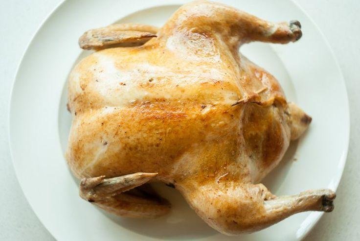 Смысл способа Блюменталя в том что курица готовится на маленькой температуре и основным фактором готовности является не румяная корочка после 2 часов в духовке, а определение готовности мяса по внутре…