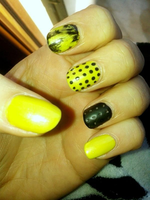 """Black & Lime nailsart inspired by the Chalkboard Nails 1st design for """"The Laquer Legion"""" 2014"""