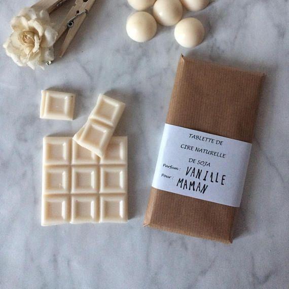 Fondant sous forme de tablette de chocolat pour vos brûleurs de parfum. Coupez 2 ou 3 carrés de la tablette pour le mettre dans votre diffuseur de senteurs et laisser la bonne odeur de vanille se diffuser dans votre pièce. Vous pouvez également déposer quelques carrés dans un petit