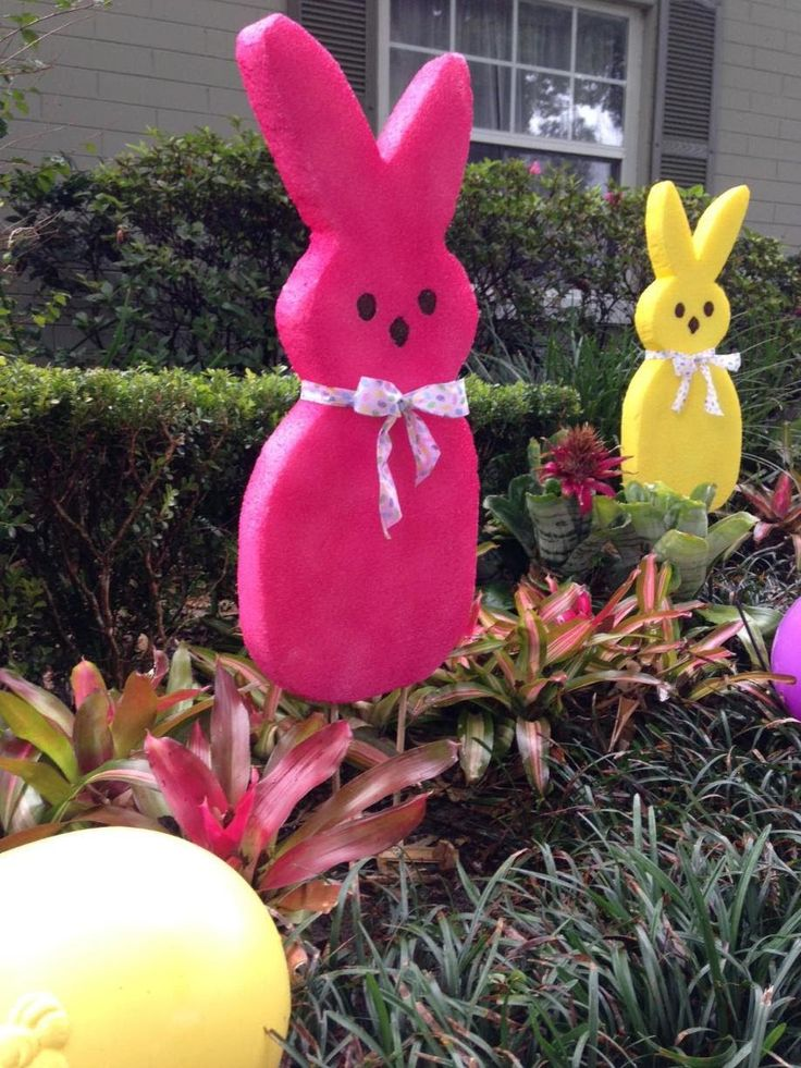 """Large Outdoor Bunny: Easter Decoration """"How To"""""""
