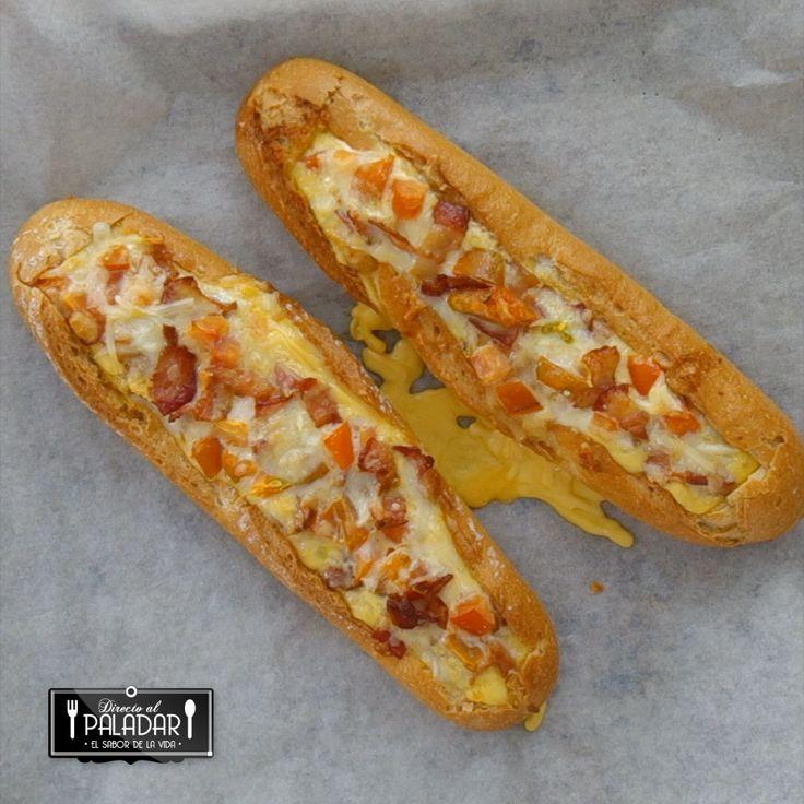 baguette con bacon huevo y queso