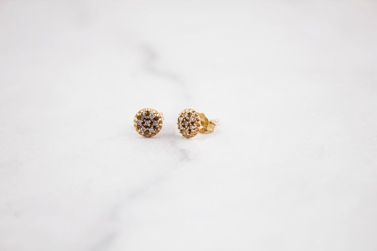 Yellow gold and diamond sparkly studs✨