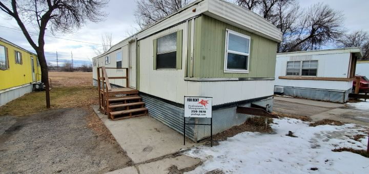 Newly Remodeled 2 Bedroom 1 Bath Mobile Home Billings Mt Rentals Newly Remodeled 2 Bedroom 1 Bath Mobile Home Near Central In 2020 Renting A House Tenants Rental