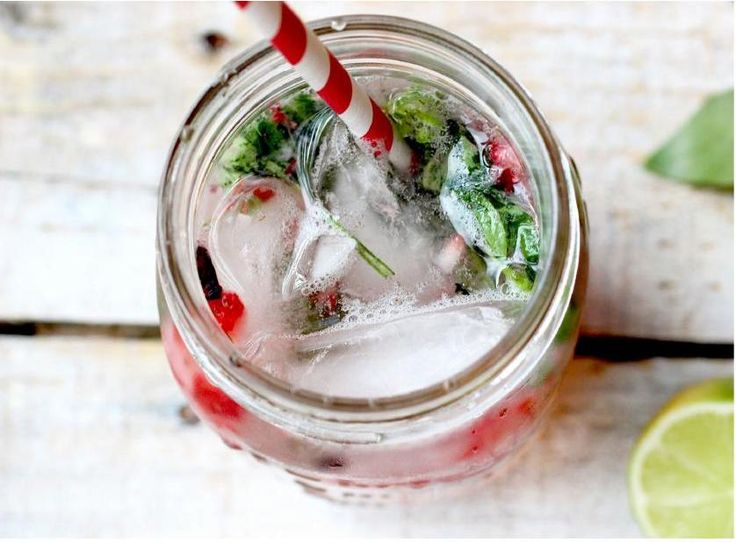 Strawberry Basil Mojito #purelysummermag