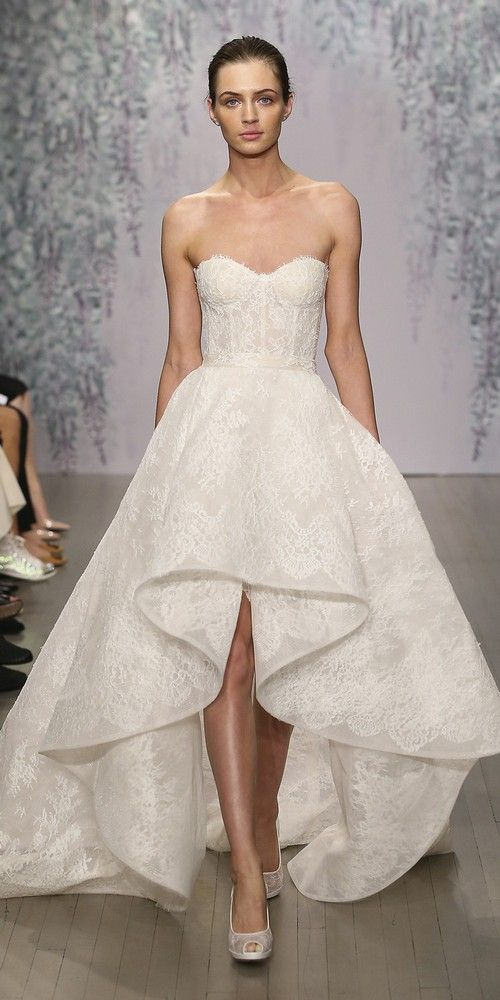 Monique Lhuillier Fall Wedding Dresses 2016 / http://www.himisspuff.com/monique-lhuillier-fall-wedding-dresses-2016/4/