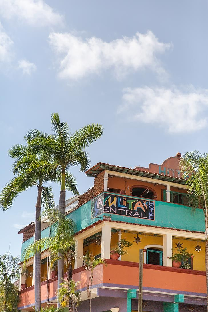 Here are the 6 best things to do in Sayulita Mexico in the Riveria Nayarit / Nuevo Vallarta area covering hotels and accommodation, food and restaurants, activites and more