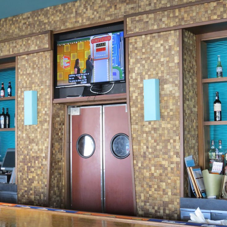 Product: Coco tiles by Kirei - Project name: Burger Craze in Deerfield Beach, FL