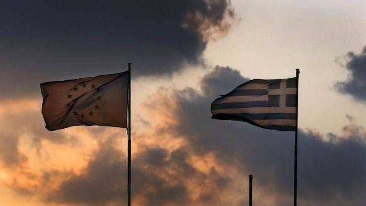 """La question grecque a été évoquée lors du #G7. Selon Michel-Henry Bouchet, professeur de Finance à SKEMA Business School, """"le règlement de cette crise passera par la restauration de la confiance des investisseurs nationaux et internationaux"""". via Figaro Vox"""