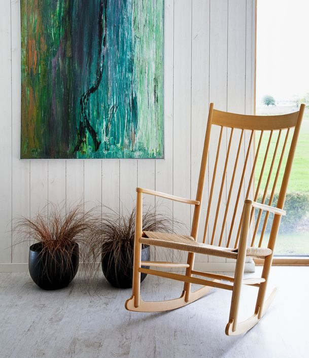 Beautiful rocking chair. By danish designer Hans J Wegner.