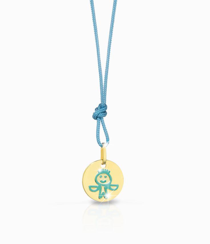 Ciondolo Le Bebé del segno zodiacale della Bilancia, con cordino azzurro, in oro giallo smaltato. Un'idea regalo per adulti e bambini preziosa e adatta a nascita, primo compleanno e primo Natale in famiglia.  #ciondolo #charm #collana #bambino #bambina #regali #nascita #bilancia #zodiaco #segnozodiacale #gioielli #celeste #azzurro
