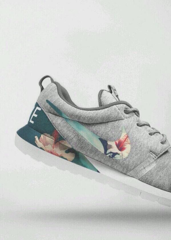 Floral Nike Roshe Ausführen benutzerdefinierter schwarz
