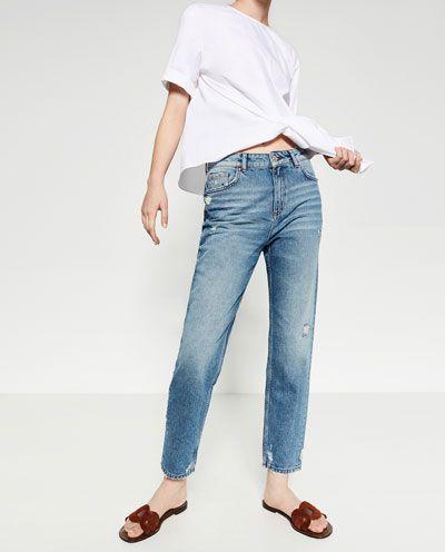 Che il jeans sia sempre in voga ormai non è più una novità ma quello che stupisce è il ritorno di modelli che andavano di moda anni fa come i Mom jeans.    Mi sembra veramente di tornare negli anni '90, i jeans erano tutti a vita alta e io gli