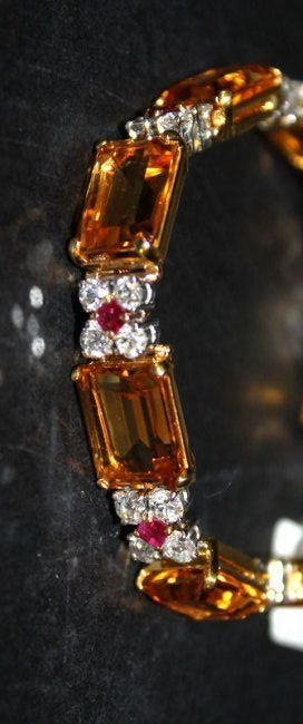 Vintage Cartier 18Kt beauty bling jewelry fashion