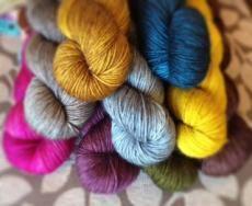 Uncommon Thread Tough Sock @ Loop