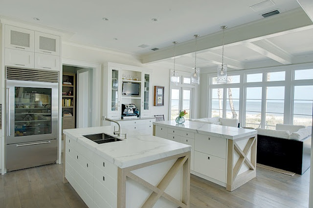not just the kitchen...the view: Seaside Style, Sea Shells, Beaches Rooms, Seaside Kitchens, Beaches Kitchens, Beaches Houses Kitchens, Modern Kitchens, Kitchens Cabinetri, White Kitchens