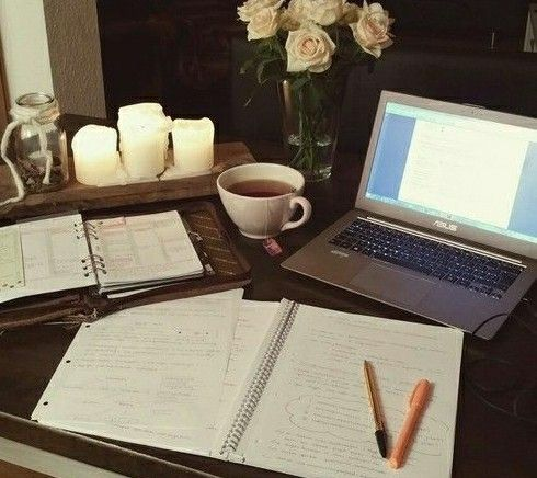   Great Study Set-ups, desk, study time, study layout, desk design, getting ready to study , online study session