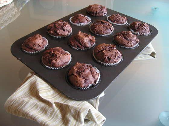 1 box Devil's Food Cake Mix + 1 small can pumpkin = No oil, no eggs brownie muffins! Low calories, HIGH fiber
