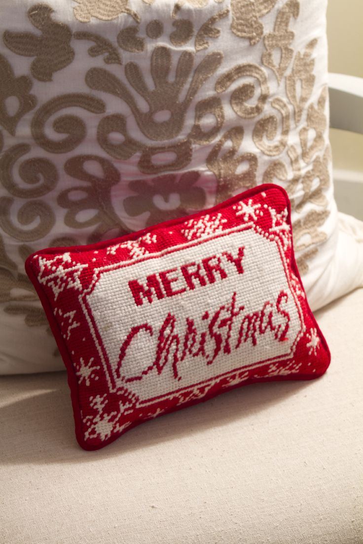 Merry Christmas pillow: Christmas Bedrooms, Christmas Holidays, Christmas Cheer, Biz Ideas, Christmas Decor, Christmas Pillow, Christmas Aly, Merry Christmas