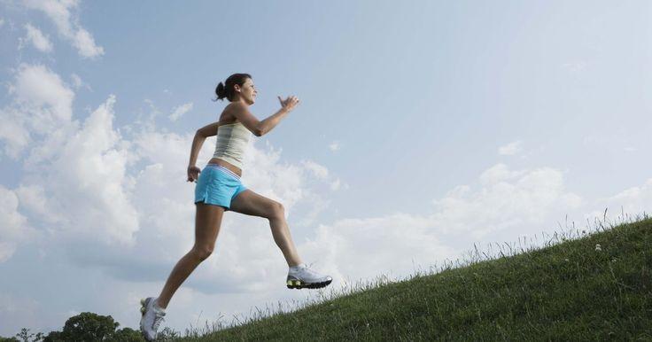 Tratamento para celulite na parte inferior da perna. A descoberta de celulite nunca é um momento agradável. Muitos estudos sugerem que entre 80 e 90% das mulheres possui celulite em algum lugar do corpo, e essa porcentagem é ainda maior para mulheres acima de 35 anos ou que já passaram por gravidez, enquanto o número de homens afetados pela condição também vem subindo. Eliminar a celulite não é uma ...