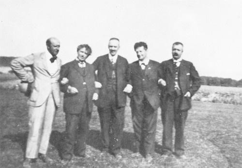 "Johannes Bucholtz, author Jeppe Aakjær, Minister of Justice K.K. Steincke, author Harald Bergstedt, author Thøger Larsen at ""The Jenle festival"" 1925"
