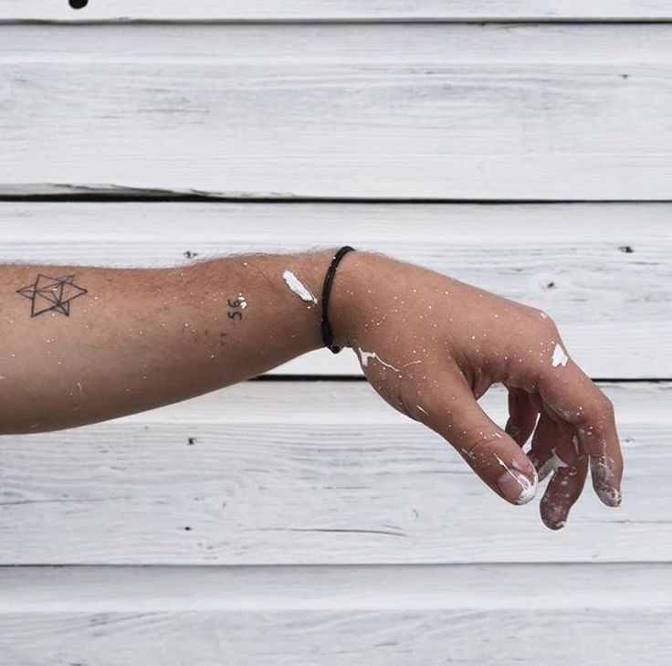 PAINT COVERED HANDS AND MINIMAL TATTOOS - daniel mooney - danielmooney.net