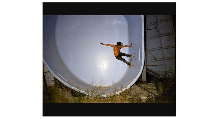 Sélection Instagram #94 // © Michel Nguie // Retrouvez la sélection complète sur le site de #FisheyeLeMag ! #Instagram #curation #photo #photography #pool #swimmingpool #skate #skating #skater #photooftheday #picoftheday #potd