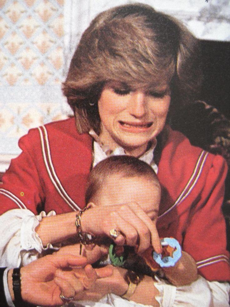 December 22, 1982 - Kensington Palace, Diana and William