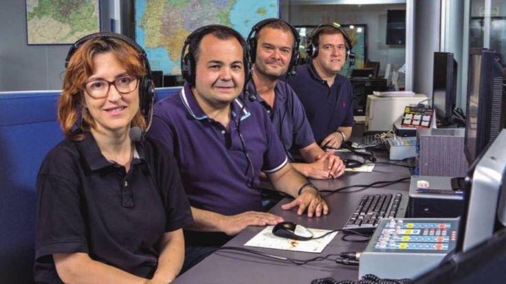 Los periodistas Alicia Gutiérrez, Carlos Garcinuño, Javier Fernández y Fernando Pérez que informan en la radio sobre el tráfico de la DGT www.elconfidencialdigital.com