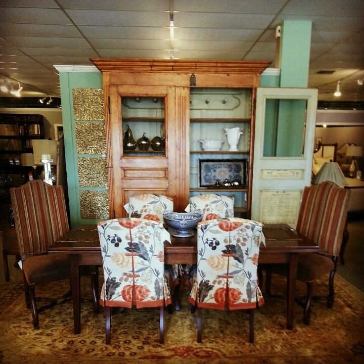 Furniture From Design Master, Encore And Sarried Create A Rustic Dining  Room Setting