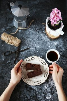 Czekoladowe ciasto z ciecierzycy bez cukru, mąki, tłuszczu --> Chickpea chocolate cake